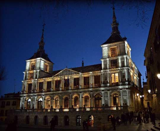 Toledo nocturno Ayuntamiento
