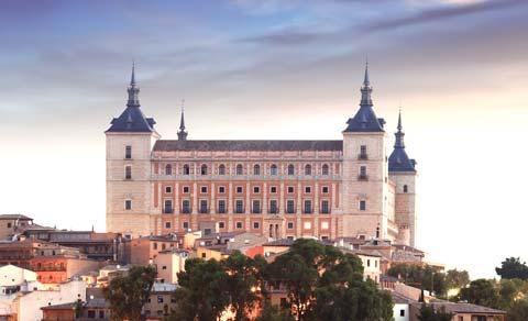 Vistas mañaneras del Alcázar de Toledo