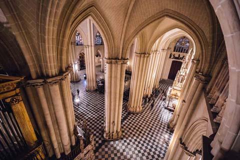 Interior de la Catedral para Isabel