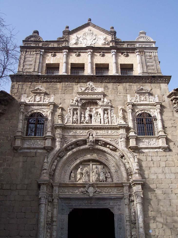 Fachada museo Santa Cruz