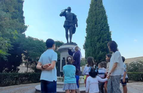 Estatua de Garcilaso de la Vega