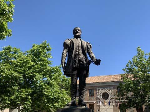Estatua de Juan de Padilla