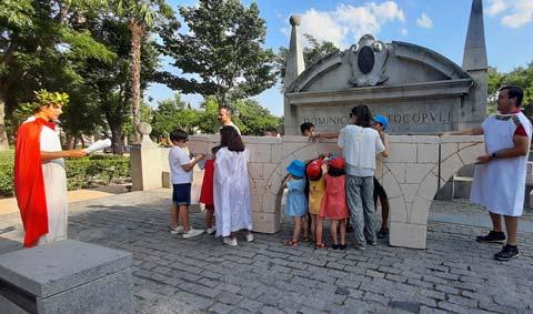 Niños disfrazados de romanos